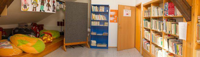 Knihovna v podkroví