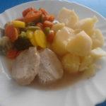 Vepřová kýta, zelenina v páře, brambor